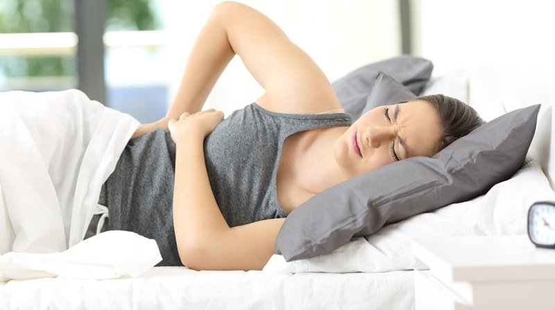 the-best-pillows-for-back-pain-relief-when-sleeping-800px_2